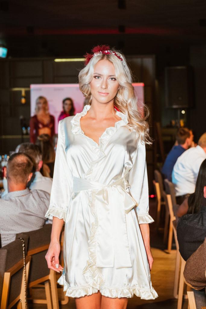 IN ESTONIAN: BonBon Lingerie näitas Pärnus Honour Club Estonia 2017 raames lummavat pesumoodi